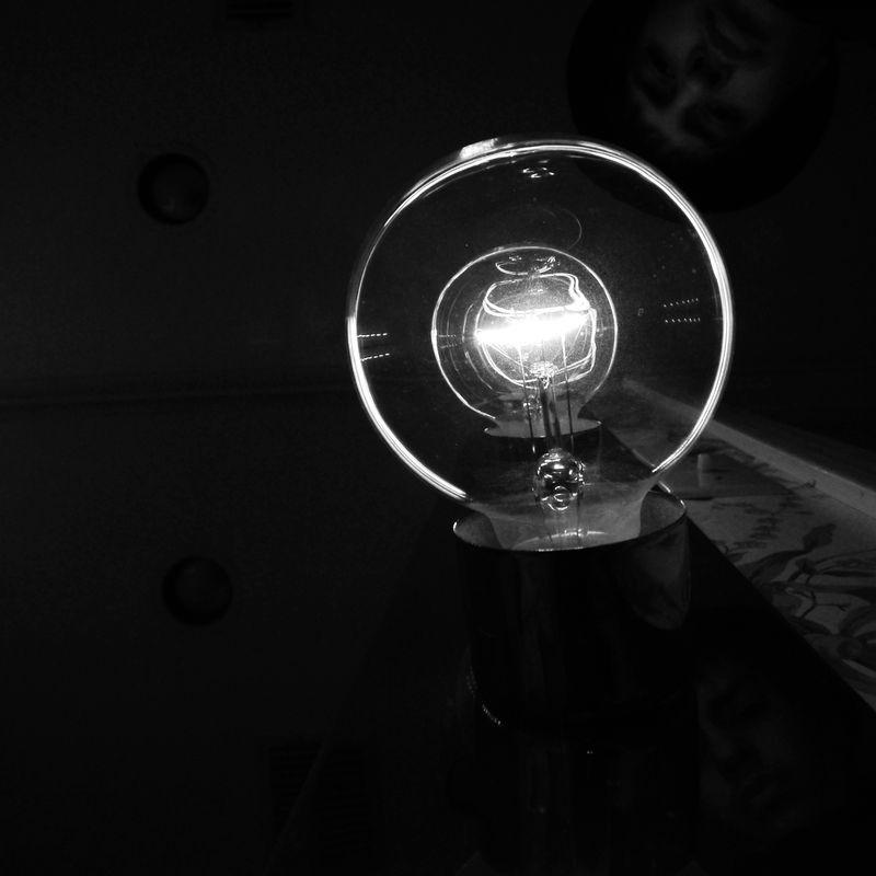 Light Bulbs 4